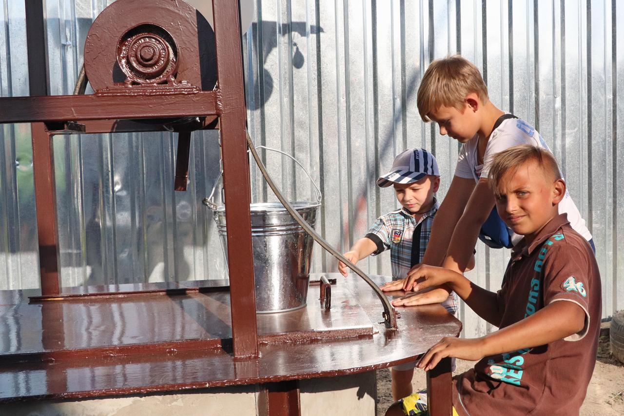 Кропивницький: у приватному секторі реконструювали колодязь (ФОТО)